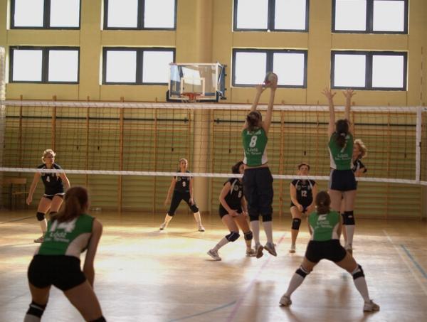 xiv_kolejka_dzkiej_amatorskiej_ligi_siatkwki_20100314_1711700201