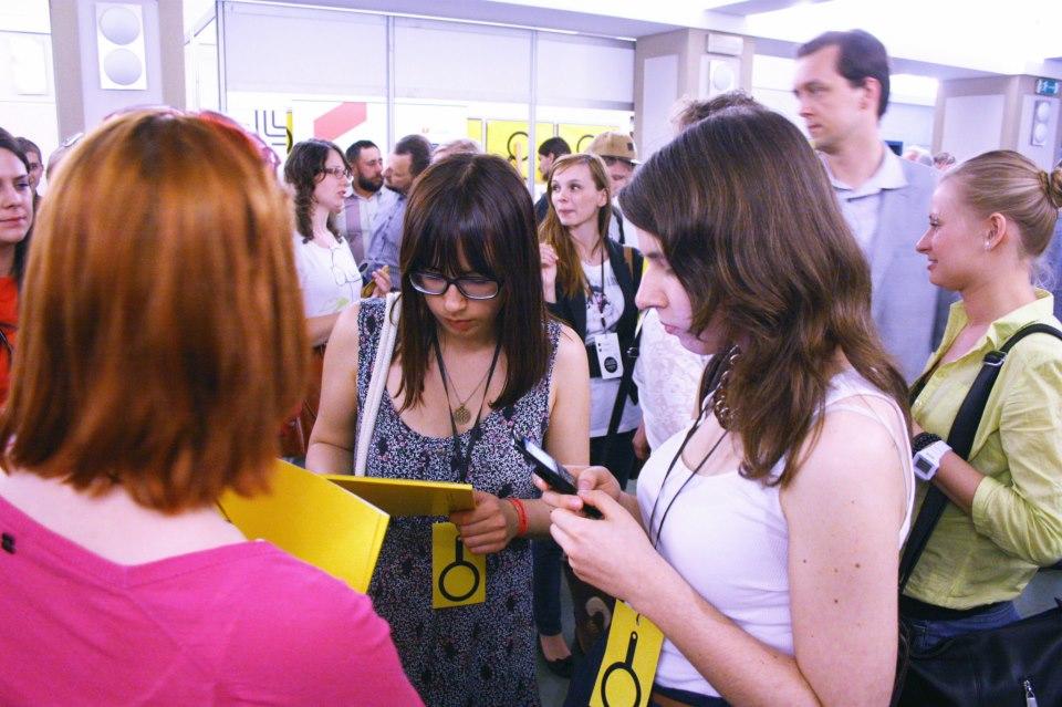 4._Festiwal_Kamera_Akcja_widzowie_hol