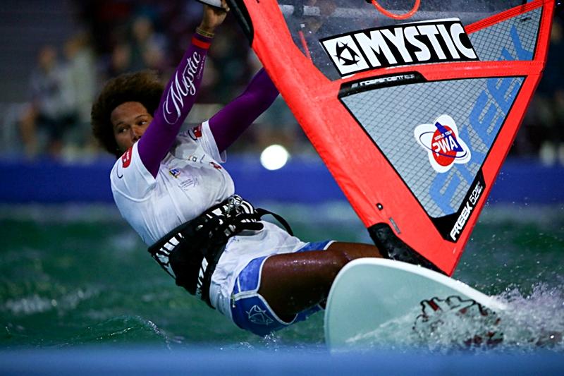 140905_windsurfing_005_zrodlo_stadion_narodowy